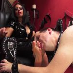 Mistress Ezada Sinn – Look down and lick My feet: Mistress Ezada accepting a new slave (MP4, FullHD, 1920×1080) Watch Online or Download!